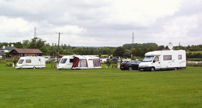 Grove Lock Marina Caravan Park